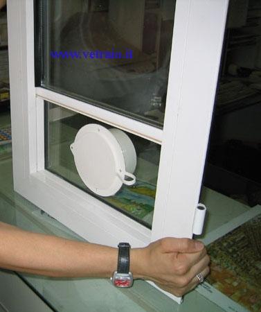 Propriet familiare buco nel doppio vetro - Guarnizione finestra per condizionatore portatile ...